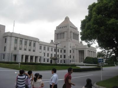 国会議事堂へ